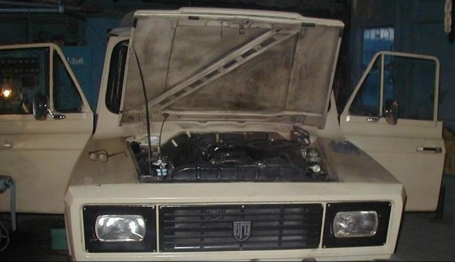 """Foto: """"Am cumpărat un ARO 240. Unde îl pot recarosa? Să schimb motorul cu unul de Braşov?"""""""
