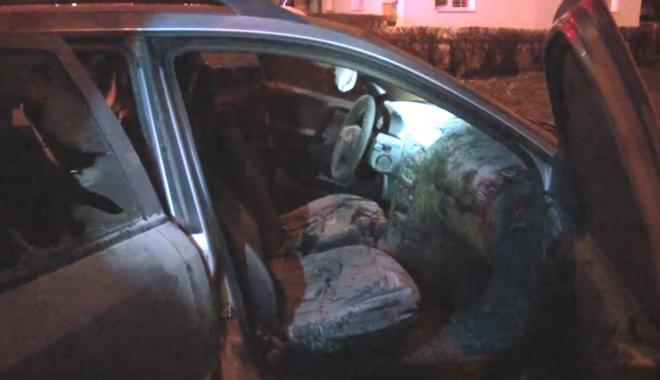 Foto: VIDEO / Mașina unui șef de poliție a fost incendiată