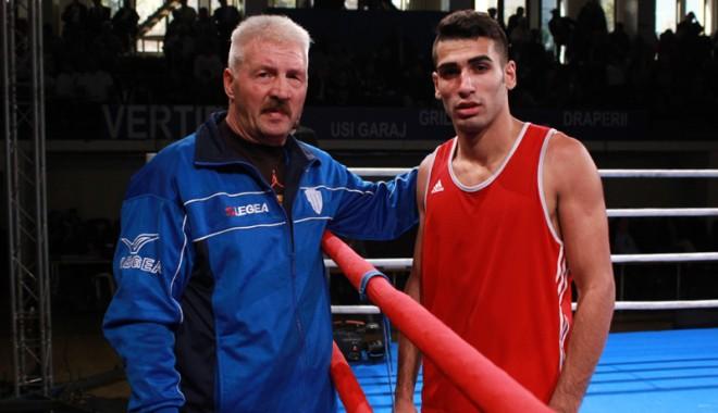 Foto: Arsen Mustafa vrea aurul la Campionatul European de box