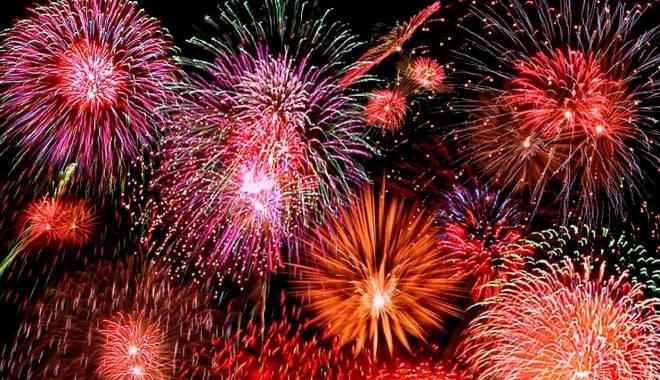 Foto: Revelion fără focuri de artificii. O singură firmă a cerut aviz pentru spectacol