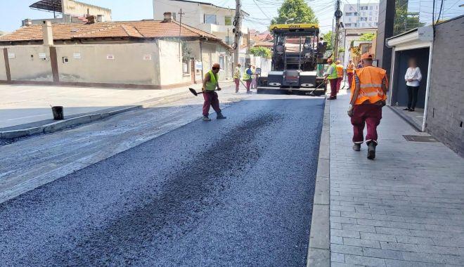 Foto: Primăria Constanța asfaltează străzile din cartierul Faleză Nord