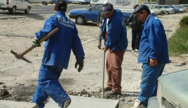 Foto: Asociaţiile debitoare rămân fără apă