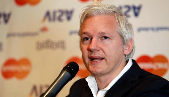 Foto: Julian Assange condamnă embargoul impus Cubei de către Statele Unite