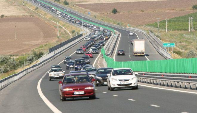 Foto: Circulaţia pe Autostrada Soarelui a fost reluată