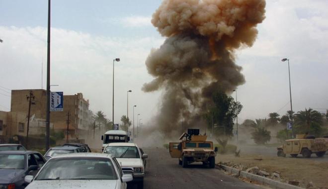Foto: Atac cu maşină-capcană, la Bagdad