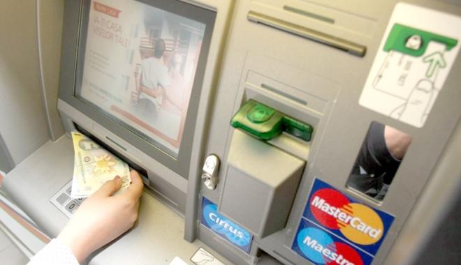 Foto: Atac la bancomatul dintr-un supermarket din Năvodari