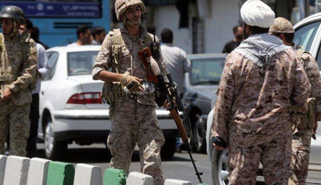 Foto: Iranul promite să se răzbune după atentatul împotriva armatei sale de elită
