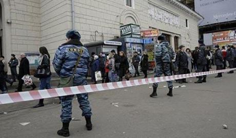 Atac armat într-o şcoală din Moscova - atacarmat1501591468-1504610851.jpg
