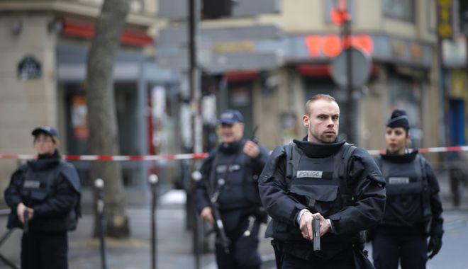 Foto: Atac la Paris. O persoană a murit şi două sunt în stare gravă, într-un atac terorist