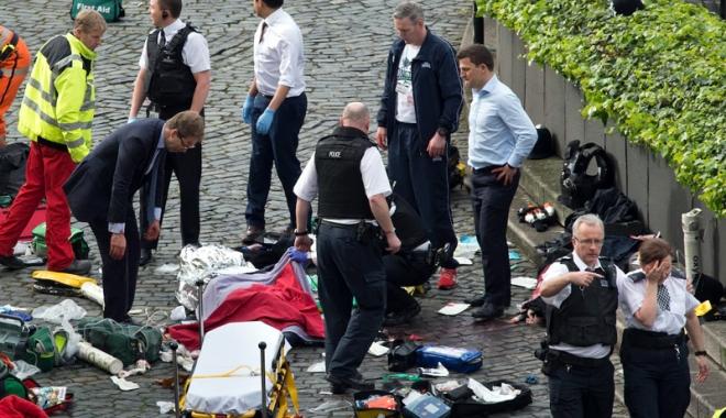 Foto: Doi constănţeni, victime ale atentatului de la Londra. Starea fetei este gravă!