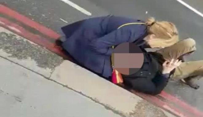 Foto: Iohannis: Sunt alături de românii răniți în atacul teribil din Londra