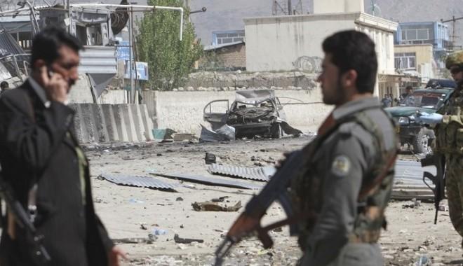 Foto: Afganistan: Atentat sinucigaş soldat cu 25 de morţi şi 50 de răniţi la o înmormântare