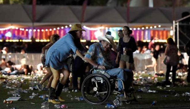 Foto: ATAC SOLDAT CU 50 DE MORŢI. Cine este atentatorul de la Las Vegas. Poliţia a făcut un anunţ surprinzător