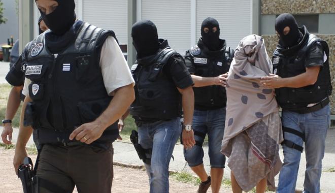 """Foto: Atentat dejucat în Franţa. Fillon: """"Eu eram ţinta presupuşilor jihadişti arestaţi"""""""