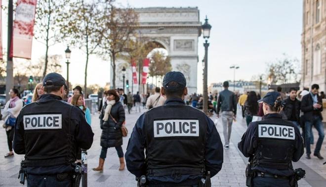 Foto: Atentat dejucat în Franţa. Doi suspecţi, plasaţi în arest preventiv