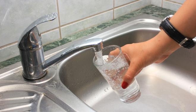 Foto: Aten�ie, se opre�te apa �n cartierul Falez� Nord  din Constan�a!