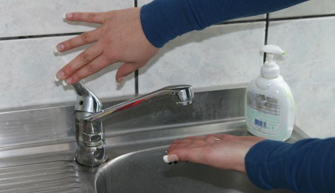 Foto: Atenție, se oprește apa în localitatea Cernavodă!