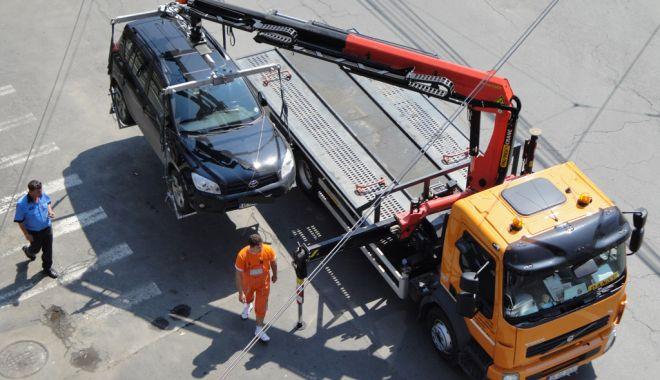 Atenție, constănțeni! Primăria ridică mașinile parcate neregulamentar - atentieconstanteniridicaremasini-1549808606.jpg