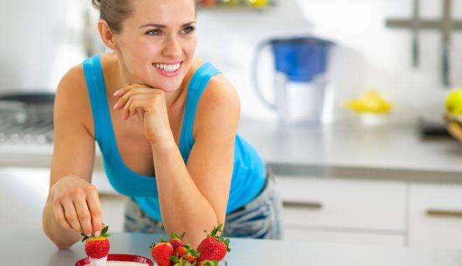 Foto: Atenţie la iaurturile cu fructe! Ele conţin prea mult zahăr şi coloranţi