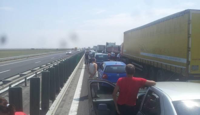 Foto: Atenţie şoferi! Trafic blocat pe A2, spre Constanţa