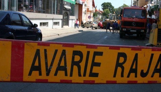Foto: Atenție, șoferi! Trafic îngreunat pe strada Călărași din Constanța. Se lucrează la o conductă de apă