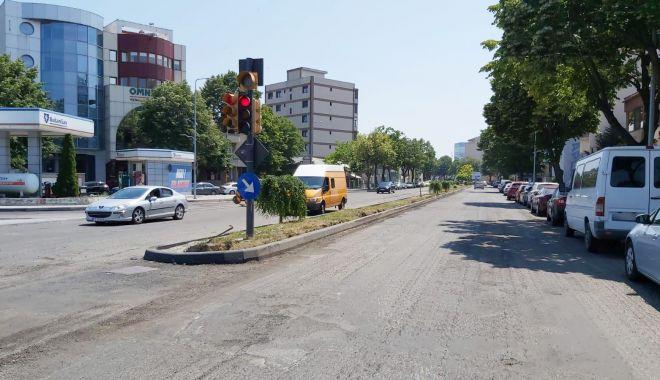Foto: GALERIE FOTO / Atenție, șoferi! Lucrări de asfaltare pe un tronson al bulevardului Mamaia