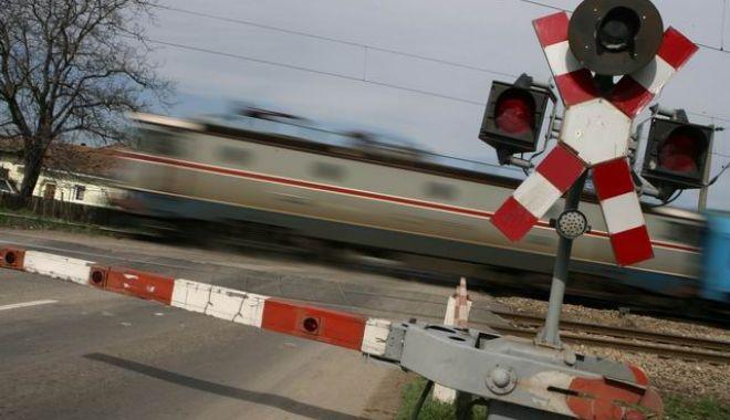 Foto: Încep lucrările de întreţinere la linia de cale ferată în zona Eforie Nord