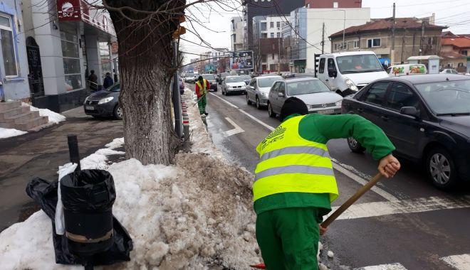 Foto: Atenţie, unde vă lăsaţi maşinile! Primăria face apel către constănţeni