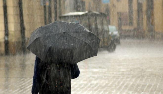 Foto: O nouă avertizare meteo de PLOI TORENŢIALE, VIJELII şi GRINDINĂ