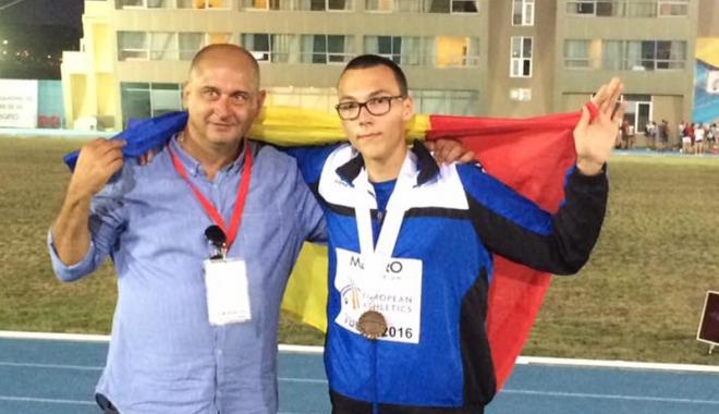 Foto: Sportiv de la CS Farul Constanţa, premiat  la Gala Atletismului Românesc