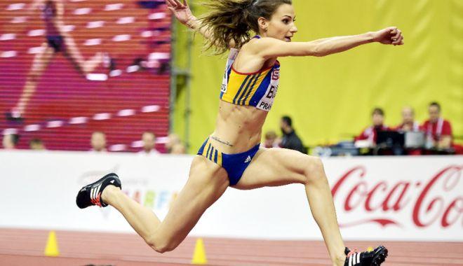 Foto: Atleta Cristina Bujin, misiune dificilă către titlul naţional