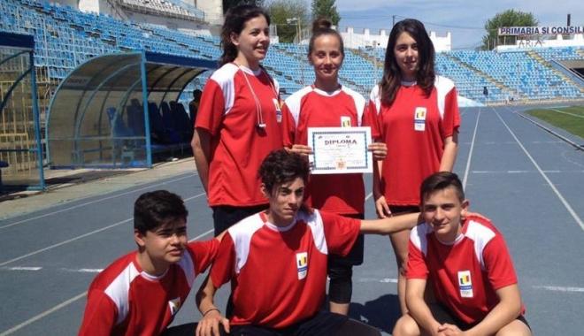 Foto: Atleţii de la  LPS Constanţa, remarcaţi la olimpiadele şcolare