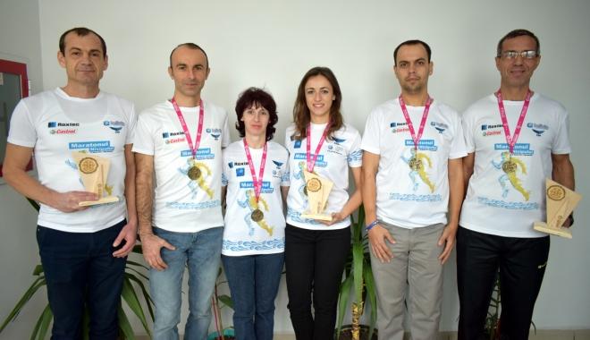 """Foto: Atleţii de la SanaSport au cules laurii Semimaratonului """"Gerar"""" de la Bucureşti"""