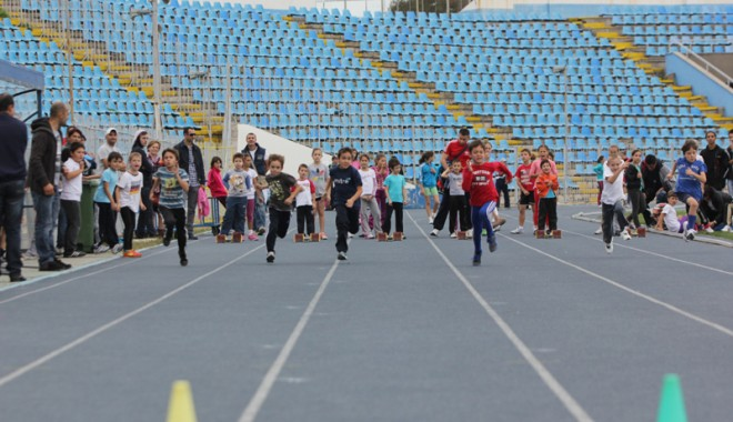 Sport şi distracţie la Cupa Toamnei pentru copii - atletismcupatoamnei2-1351542182.jpg