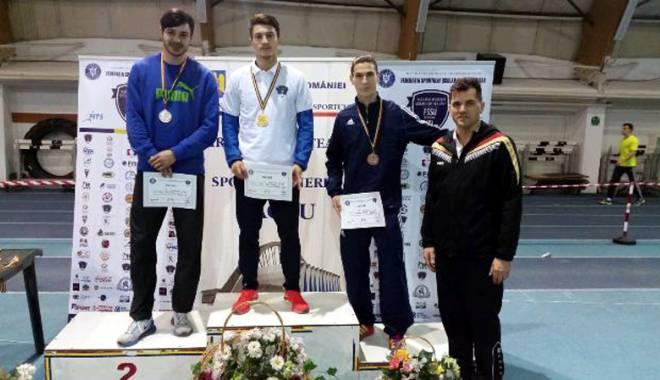 Foto: Atleţii ovidieni, salbă de medalii la Campionatul Naţional Universitar indoor