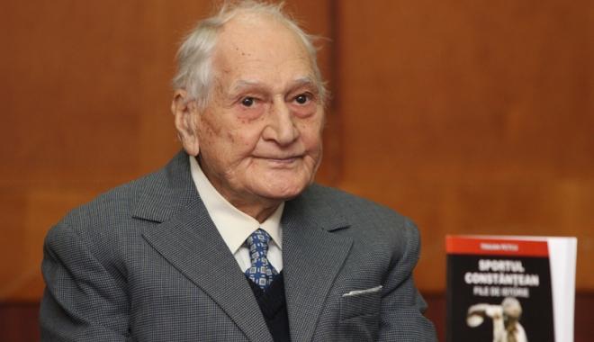 Foto: Atletul veteran Traian Petcu, cetăţean de onoare al Constanţei