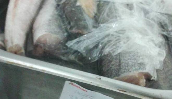 Foto: AUCHAN-ul din Maritimo a b�gat 18 persoane �n spital / IAT� CE AU G�SIT INSPECTORII OPC �n raionul de Gastronomie