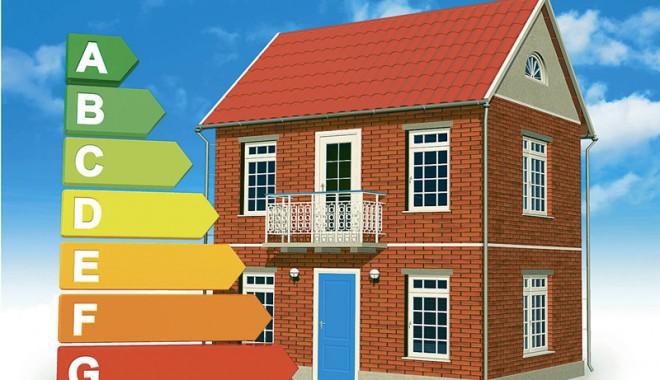 Foto: Constănţenii pot urma un curs de audit energetic al clădirilor noi şi existente