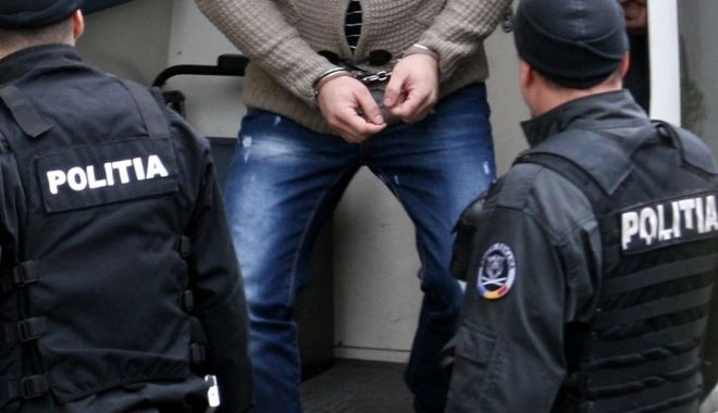 Foto: Au furat din supermarket şi acum sunt cercetaţi de poliţişti!