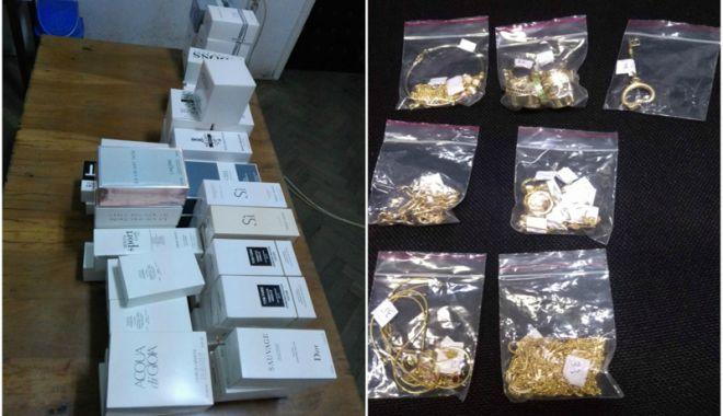 Foto: Aur și parfumuri fără documente, confiscate la PTF Vama Veche
