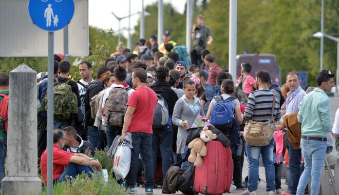 Foto: Austria vrea să se retragă din acordul UE  privind relocarea de migranţi
