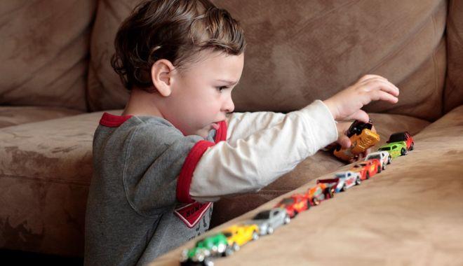 Foto: Terapie plătită de stat pentru copiii cu autism