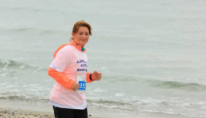 """Foto: Reprezentanţii Centrului de Autism """"Marea Neagră"""", la maratonul Nisipului"""
