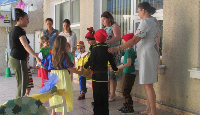 Foto: Viaţa copiilor cu autism.