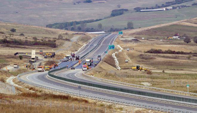 Foto: Constructorul autostrăzii scufundate Orăştie – Sibiu, obligat să restituie 83 milioane lei