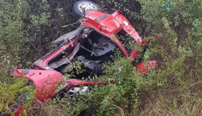 Foto: GROAZNIC ACCIDENT! Trei tineri au murit după ce un şofer a pătruns pe contrasens