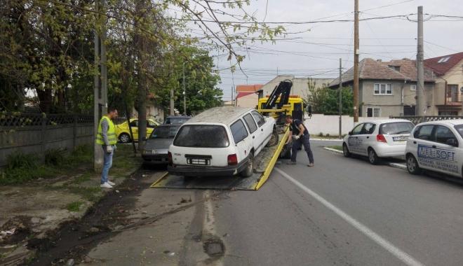 CURĂŢENIE GENERALĂ LA CONSTANŢA! Zeci de autoturisme abandonate prin oraş, RIDICATE - autoabandonate-1516785252.jpg