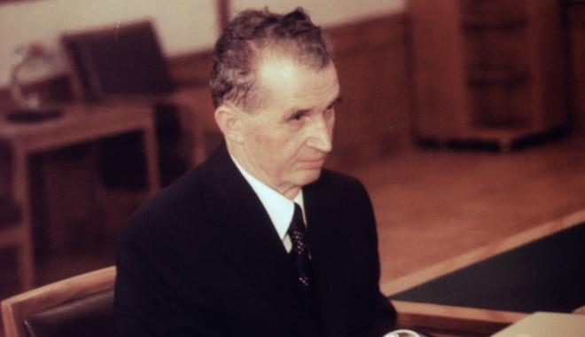 Foto: Nostalgicii l-au plâns pe Ceauşescu. Liderul comunist ar fi împlinit azi 95 de ani