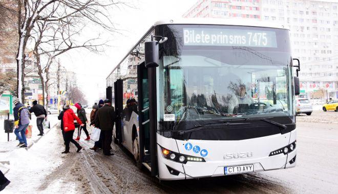 Foto: Autobuze noi pe traseele din Constanţa.  În fiecare maşină se află un poliţist local