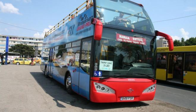Foto: Pe 1 Mai, RATC pune în circulaţie autobuzele etajate